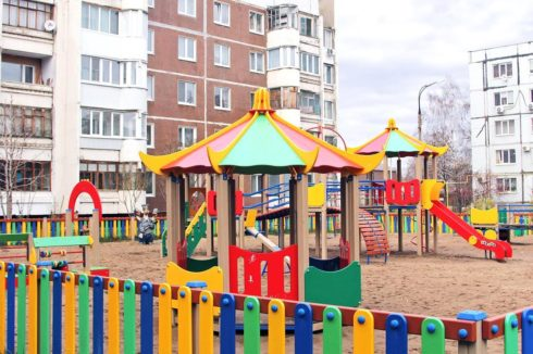 В Тольятти начались работы по благоустройству дворов