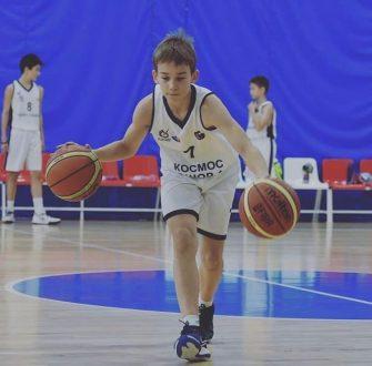 Самарские баскетболисты СШОР №1 получили 60 новых мячей