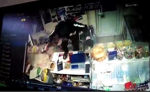 Оперативники Чапаевска раскрыли разбойное нападение на магазин
