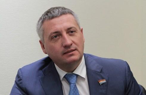 Денис Волков: депутаты от фракции КПРФ поставили под угрозу реализацию важнейших для Тольятти проектов