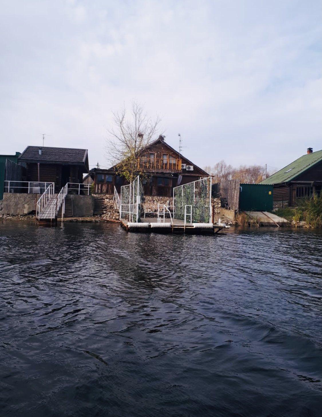 Суд обязал депутата Госдумы Евгения Серпера снести незаконные строения у береговой зоны