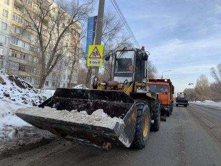 В Самаре с улицы Фадеева утилизировали уже порядка тысячи тонн снега