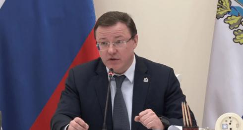 Дмитрий Азаров раскритиковал работу министерств региона