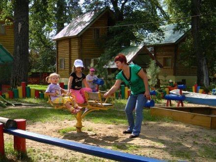У россиян появилась возможность вернуть кешбэк за детский отдых в лагерях