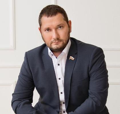 Ивану Кашковскому подыгрывает административный ресурс