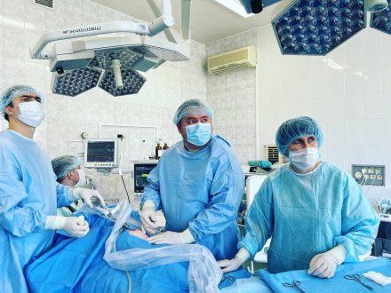 В Самаре хирурги больницы им. Ивановой внедрили лапароскопическую методику лечения паховых грыж у девочек