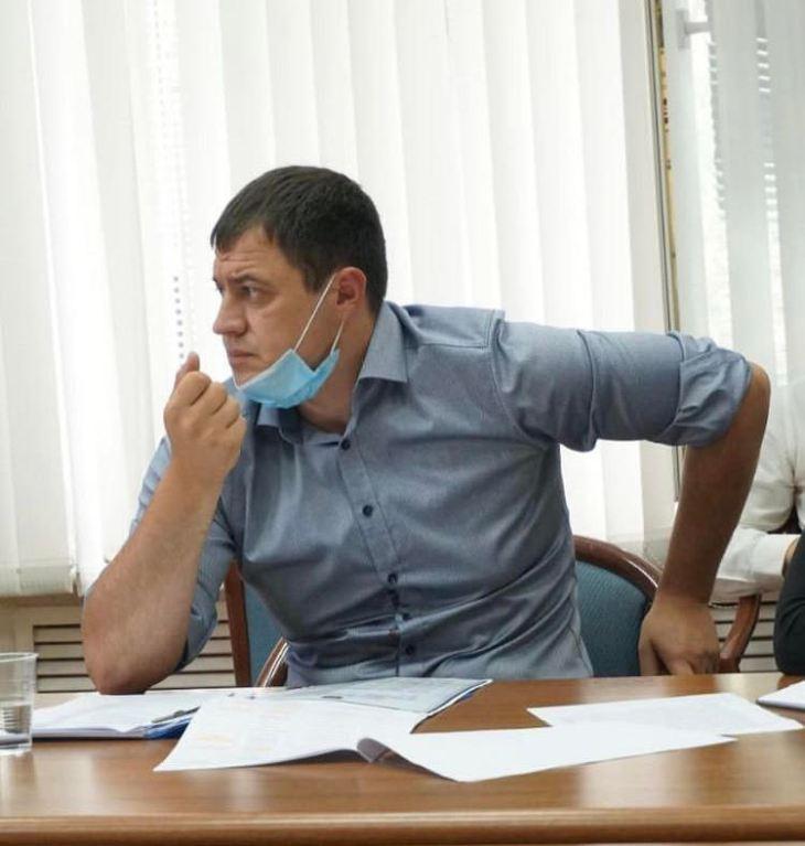 Вместо денег бюрократия: во дворах Тольятти буксует благоустройство