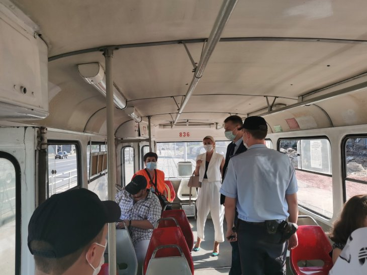 В Самаре продолжается контроль за соблюдения масочного режима в общественном транспорте