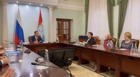 Губернатор Самарской области вручил погорельцам Борского района сертификаты на приобретение жилья