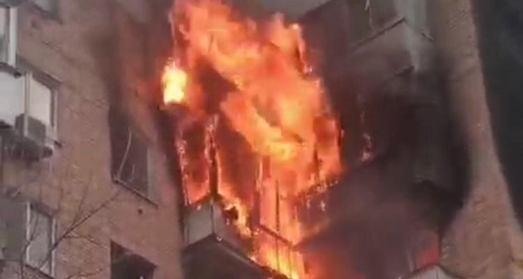 В Самаре из-за серьезного пожара в жилом доме на Ново-Садовой эвакуировано 30 человек