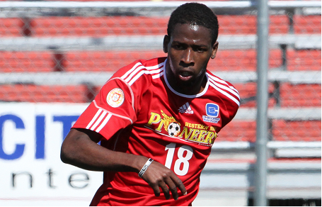 Pioneers striker Javoni Simms scored the late equalizer in Saturday's 1-1 draw against the Azul. (Photo: David Perry/sweetdogphotos.com)