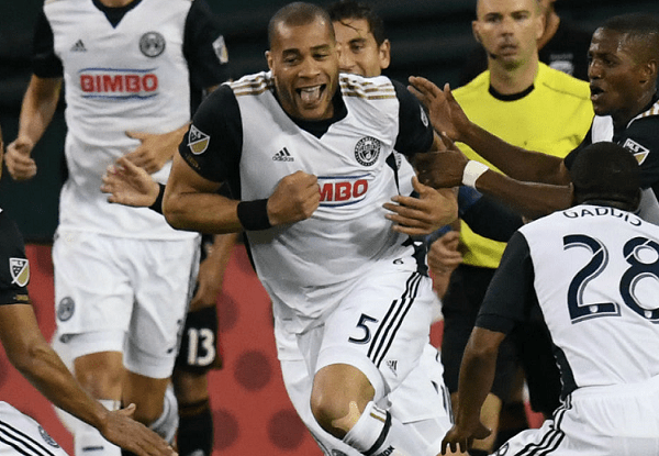 Philadelphia leapfrogs New England in standings with 3-0 win