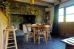 Treglyn Cottage-Cornwall-England-UK-AirBnB (7)
