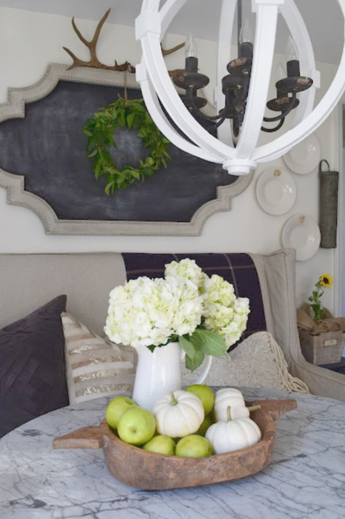 Fall inspiration and fall decor decorating ideas dining space