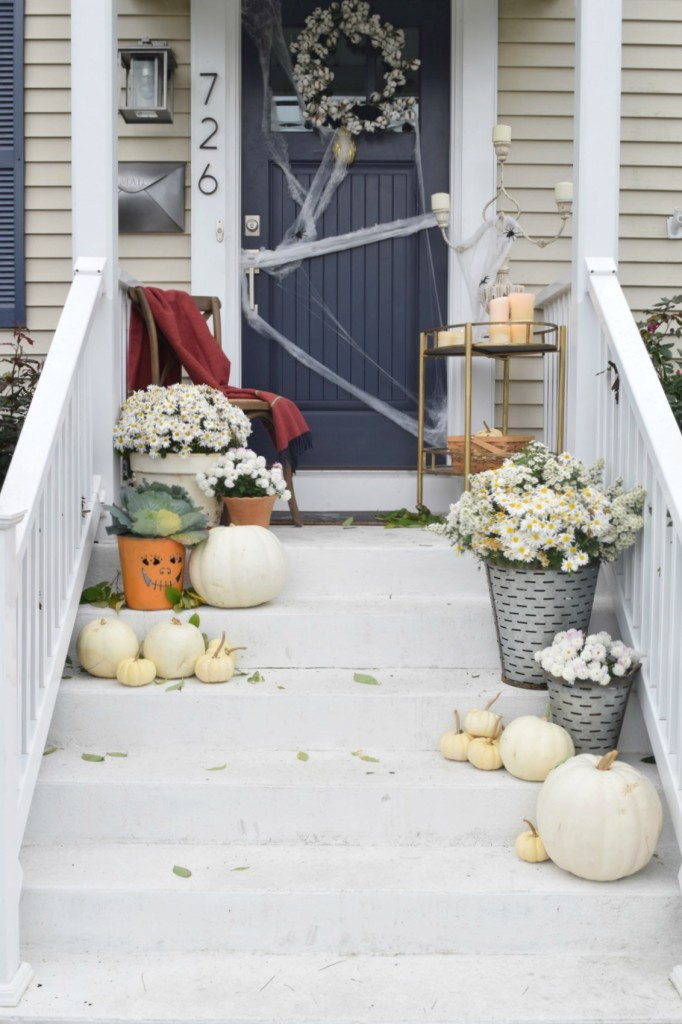 Halloween decorations and Halloween Food Ideas for a Halloween Party