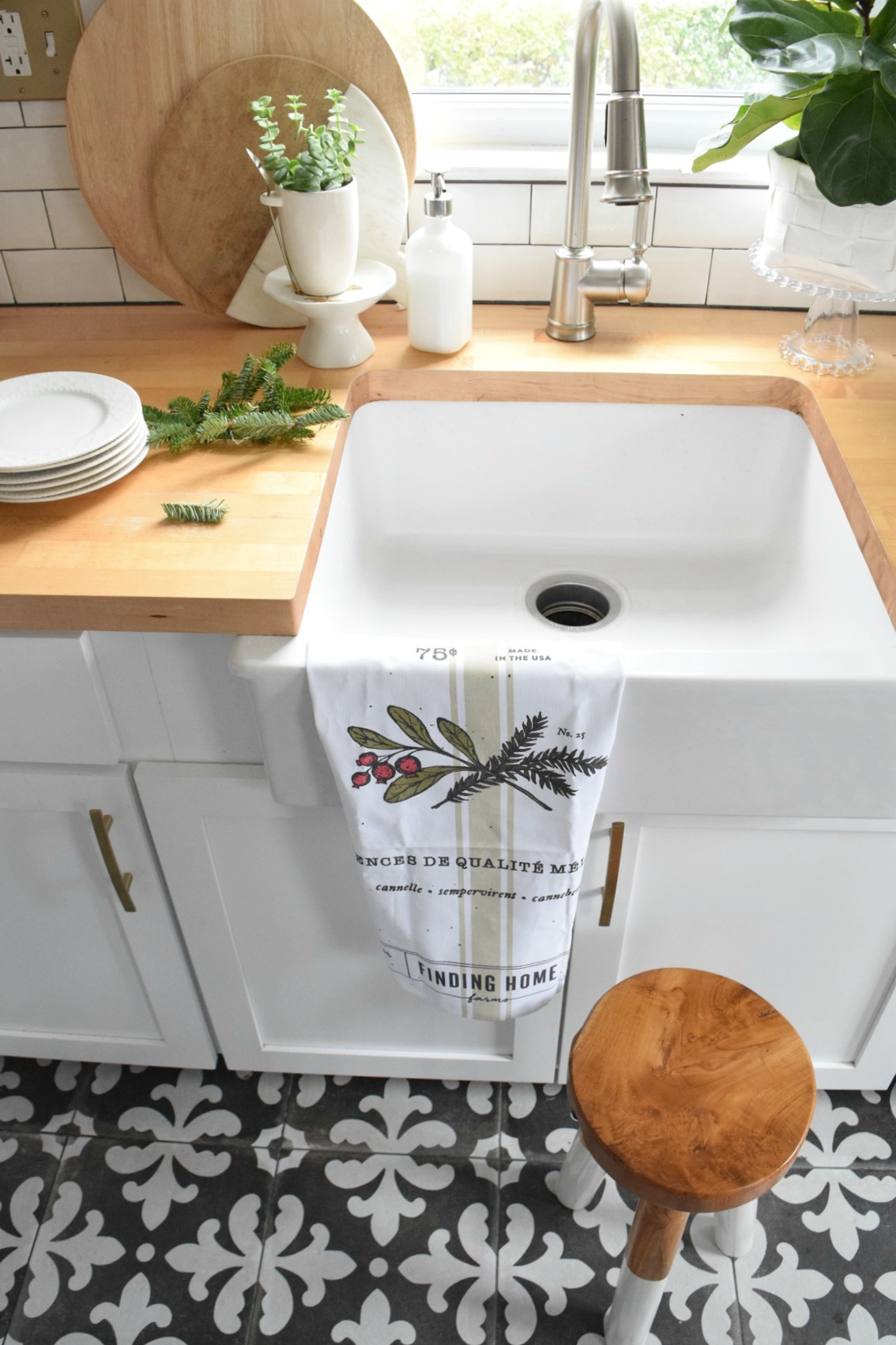 Christmas gifts cheap ideas for countertops