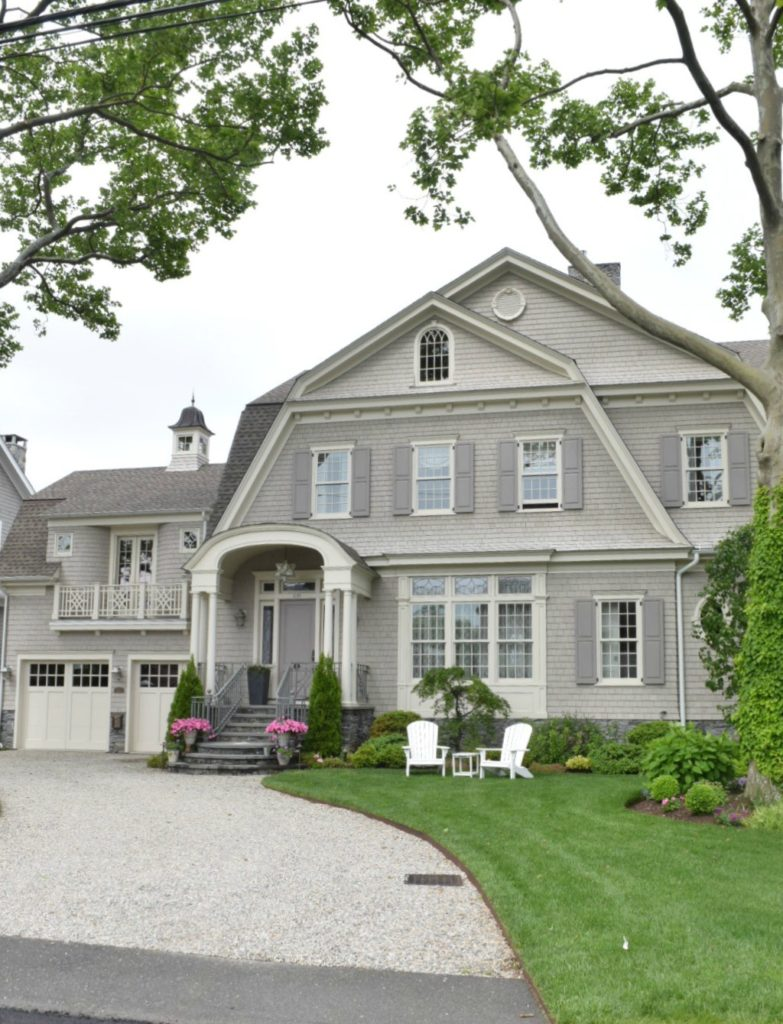 Exterior Paint Colors for Homes- New England Style