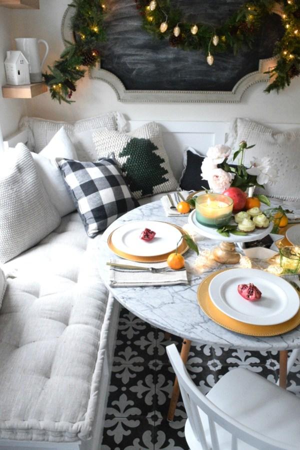 Christmas Casual Table Setting Idea