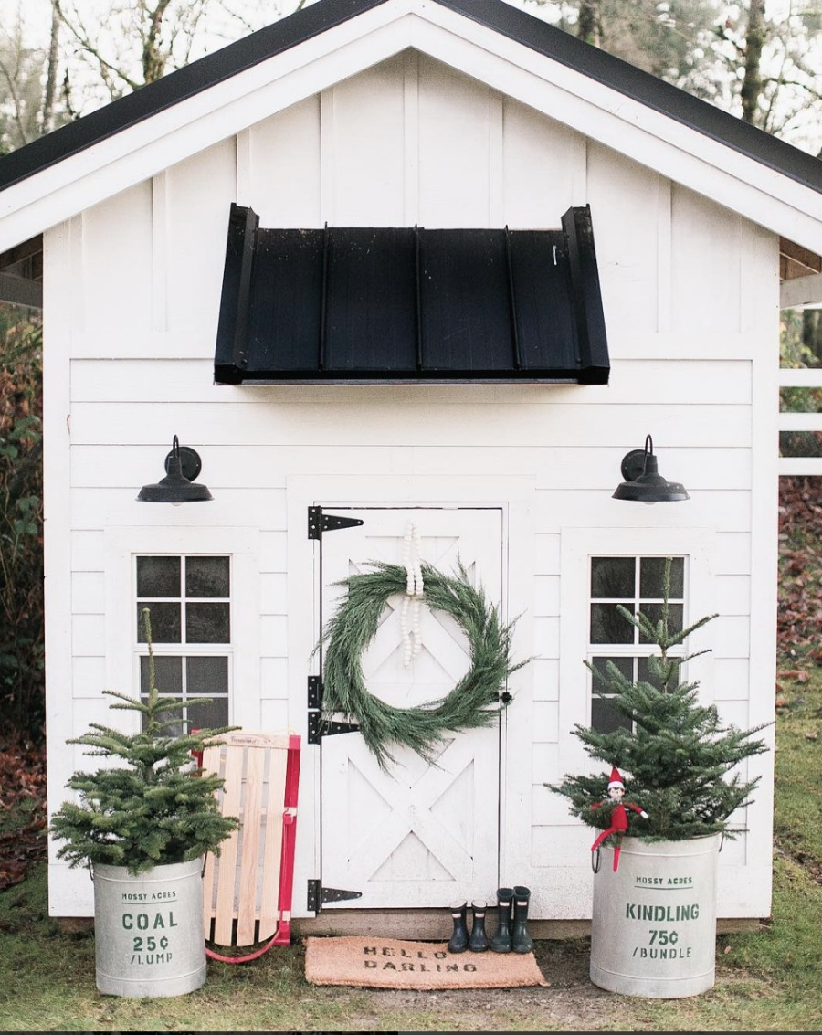 Christmas Playhouse- Exterior Christmas Ideas