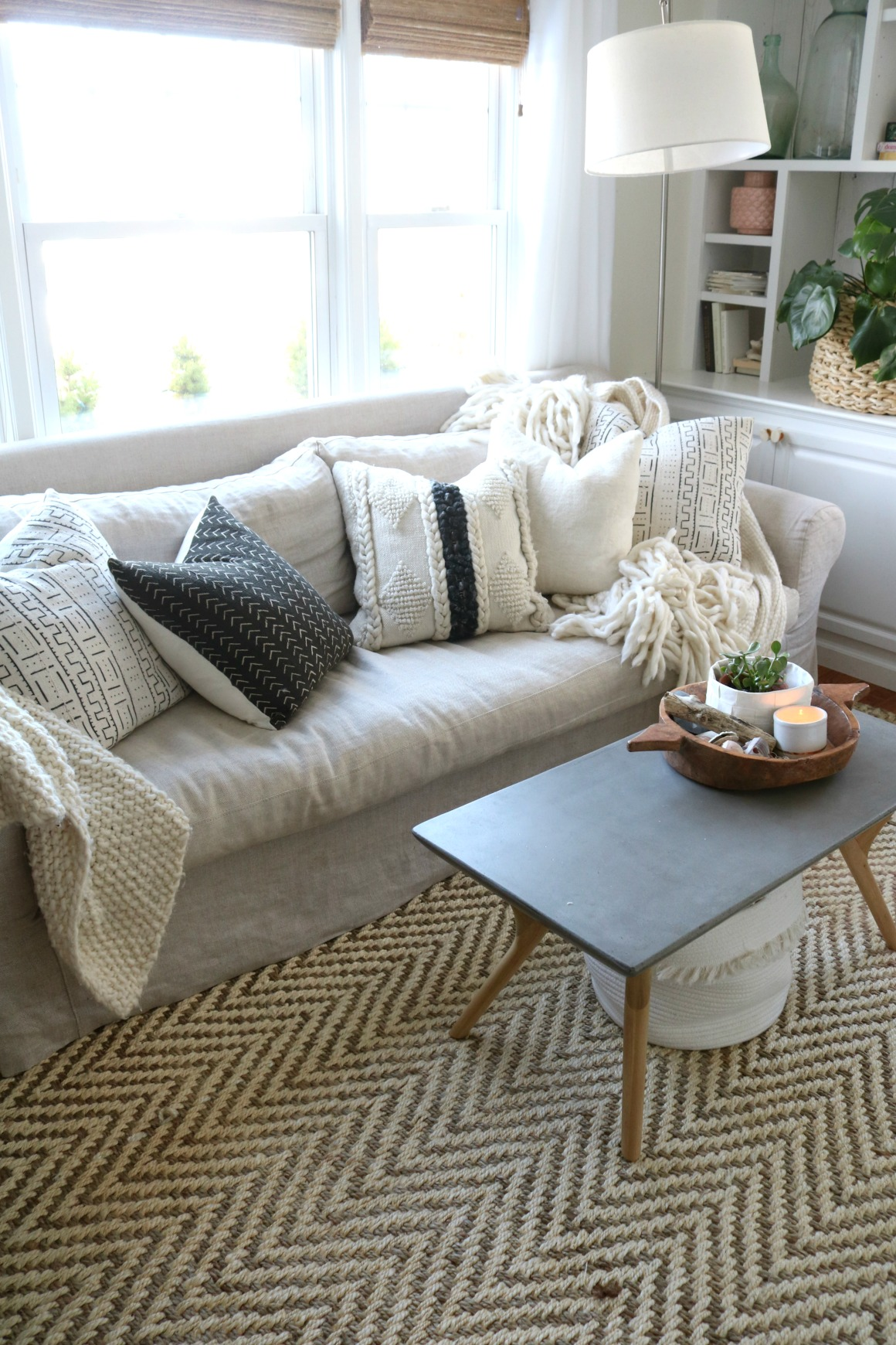 How to Mix Pillow Patterns like a Pro!