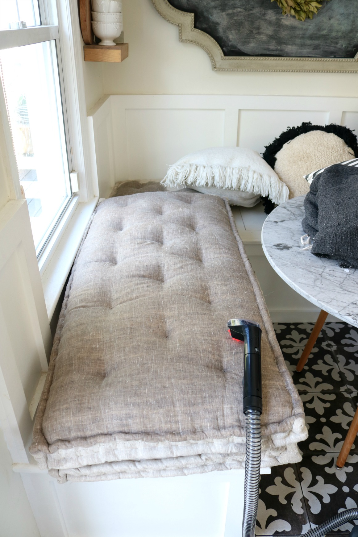 how to clean our room Hello children it is time for us to learn how to clean our room and make it easy to keep it that way this is going to be an easy read as well as a guide to help you clean your room and keep it that way.