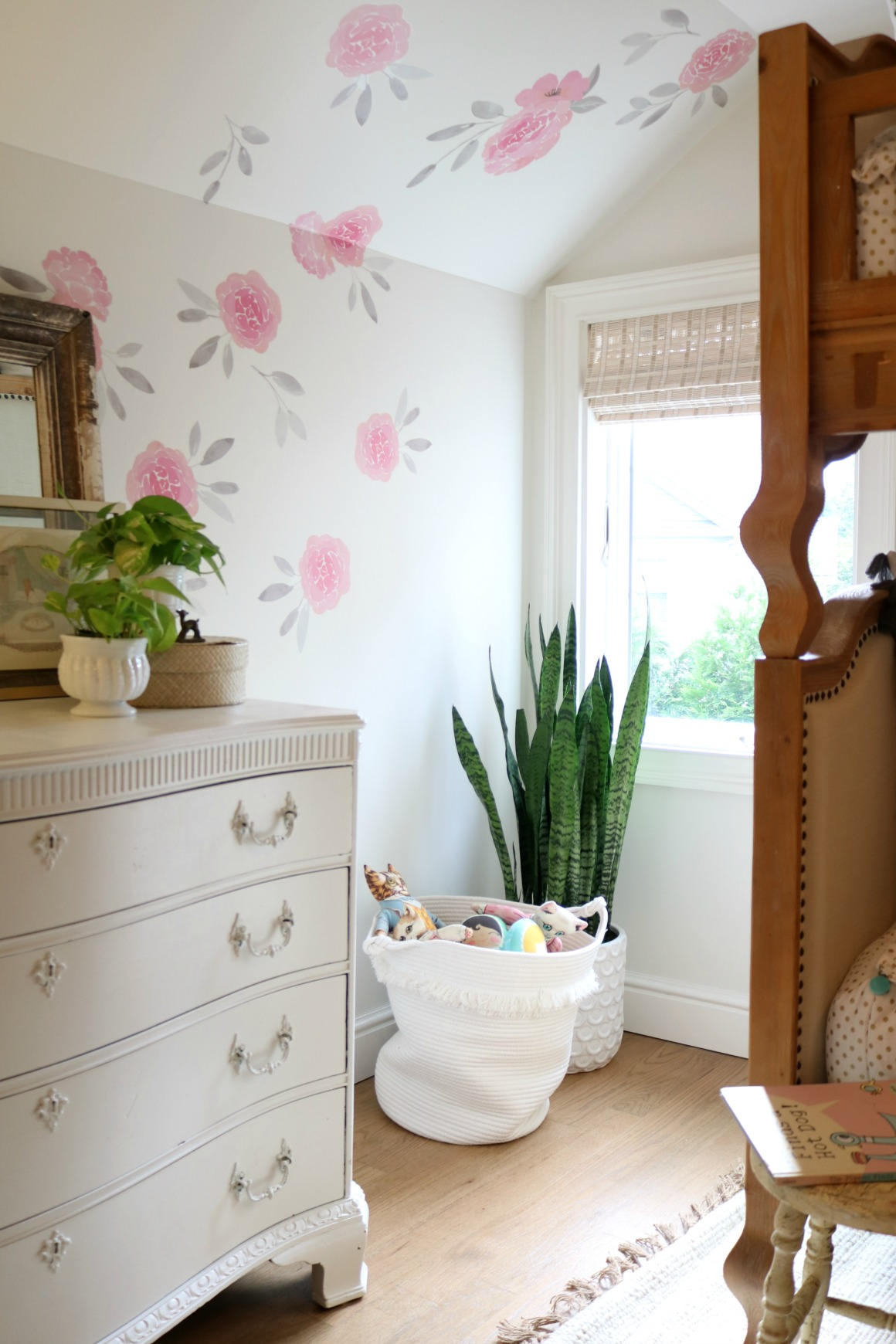 Affordable Girls Bedroom Makeover