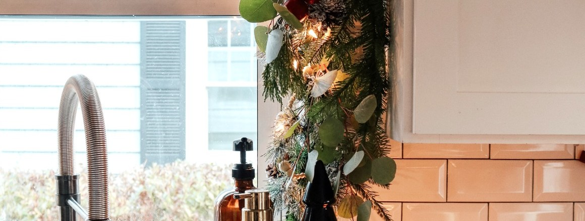 Make your Kitchen Magical- Christmas Kitchen Garland and Kitchen Favorites