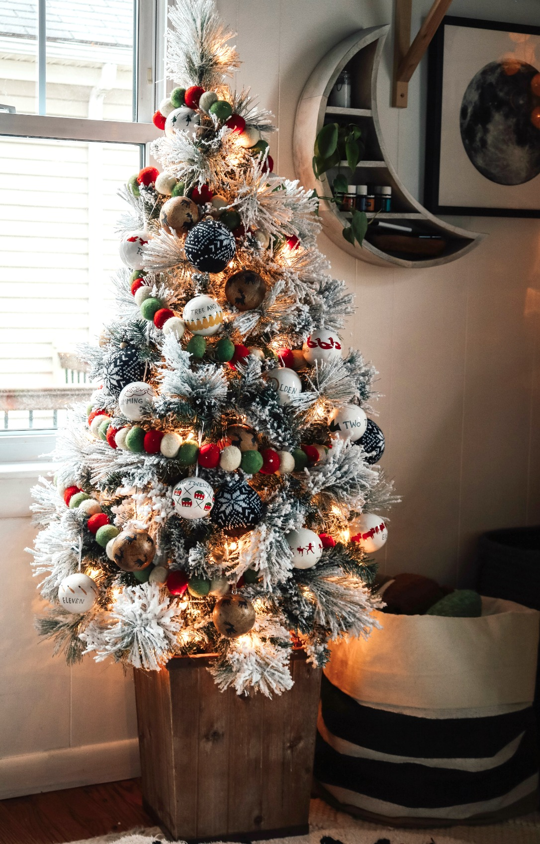Christmas Home Decor in a Small Space