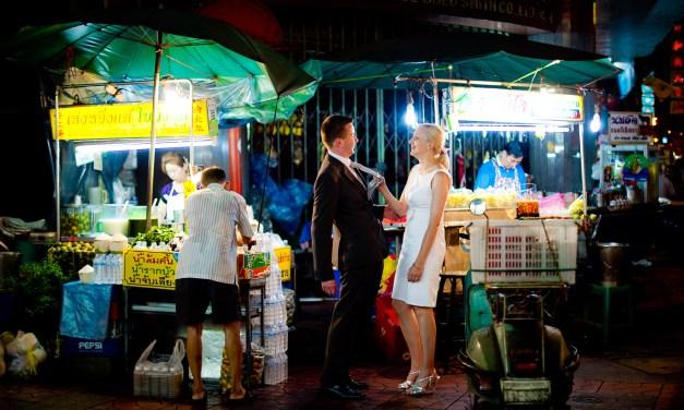 ภาพคู่แต่งงาน ที่ ชัยน่าทาว และ วัดเบญจมบพิตรดุสิตวนารามราชวรวิหาร | POST-WEDDING SESSION AT CHINA TOWN AND MARBLE TEMPLE IN BANGKOK THAILAND