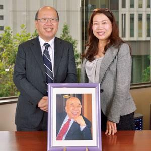 船井勝仁(左)と佐藤有美