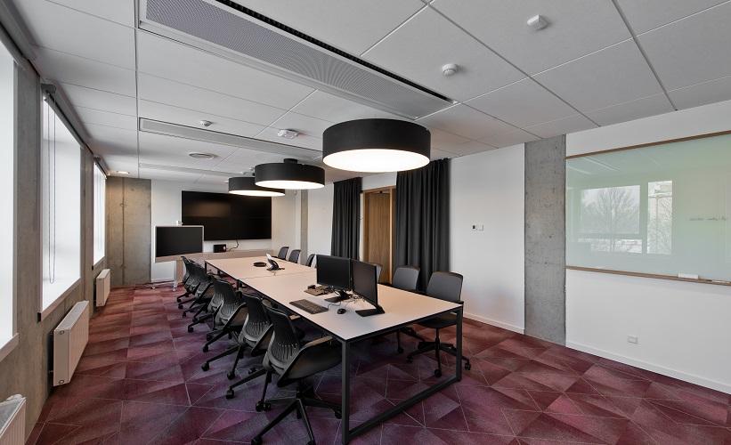 Valdymo sistema JUNG KNX, Danske banko biuras, 2