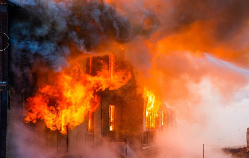 atsparūs ugniai behalogeniniai kabeliai, gaisras
