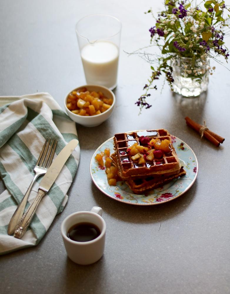 easy apple waffles