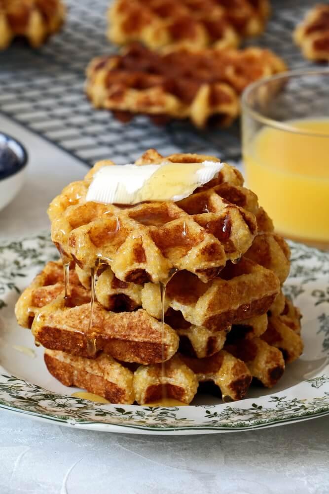 Cornmeal greek yogurt waffles