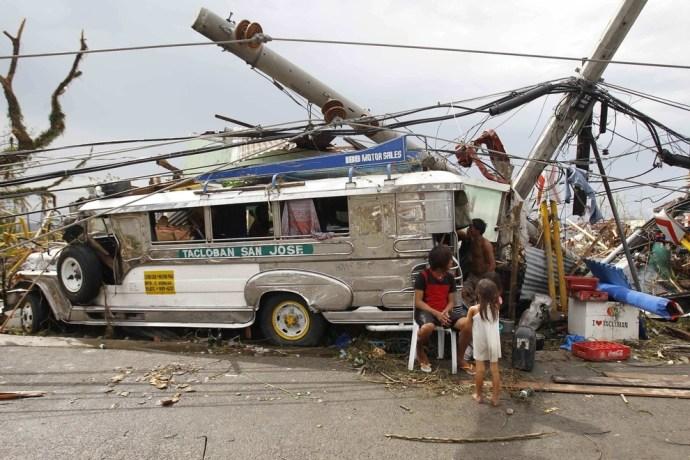 typhon-haiyan-philippines.16