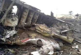 Crash du vol AH 5017: trois ans après, les familles des victimes toujours dans la douleur et la colère