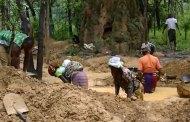 Gaoua: une exploitation d'or sur une colline fait des gorges chaudes.