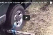 si un jour vous restez bloqué avec votre voiture dans la boue, gardez en mémoire cette technique géniale!