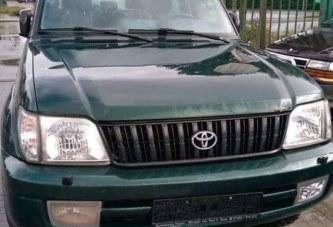 Espace affaire: Toyota land Cruise  Année 2001