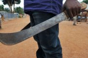 OUME : Sawadogo Kenou Isaac tente de tuer sa mère