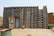 Dans le village de Tiébélé : chaque maison est une oeuvre d'art !