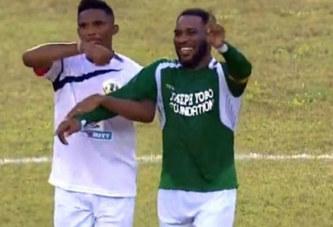 Vidéo: Jay Jay Okocha « énerve » Samuel Eto'o avec ses dribbles lors d'un match