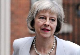 Theresa May devient officiellement première ministre du Royaume-Uni
