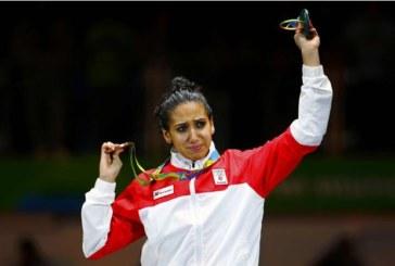 Inès Boubakri, première Africaine médaillée en escrime