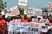 Burkina: des milliers de pro- Bassolé dans la rue