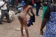 Moquée pour son habillement, une femme se déshabille tout simplement...