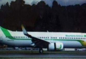 La porte d'un Boeing d'Air Mauritanie tombe au décollage