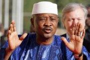 Mali: Poursuivi pour haute trahison, l'ex président malien ATT innocenté