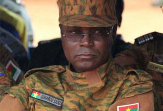 FORCES ARMÉES NATIONALES : BOMBARDÉ GÉNÉRAL, SADOU «MONTE AU FRONT »