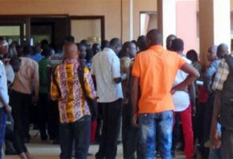 SocialBinvesting : La Société qui aurait arnaqué plus de 4000 Burkinabè; des victimes manifestent